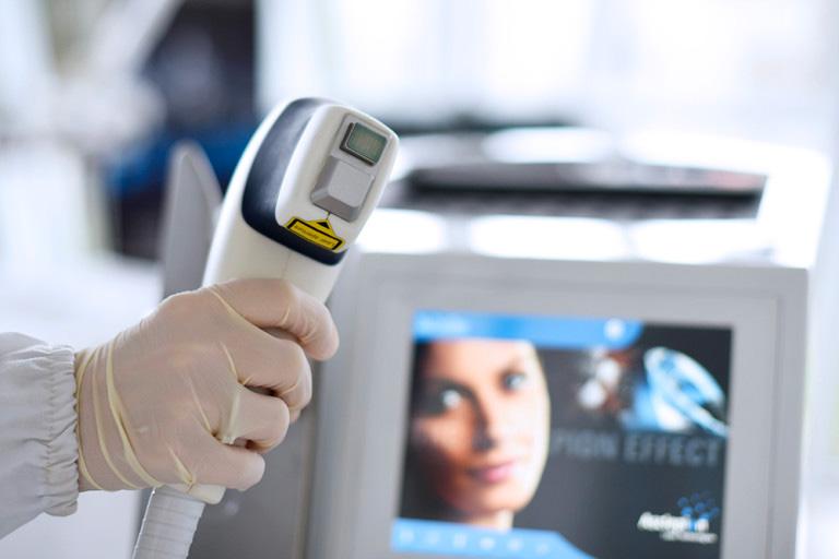 Mai più peli superflui con l'epilazione laser Mediostar